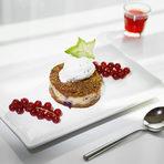 """Ресторант ZEST""""Седмица на Авторската кухня"""" - 17-23 ОктомвриДесертДомашен орехов чийз кейк с горски плодове и топка сладолед.Вижте цялото меню ТУКЗа резервации: 02 445 80 30"""