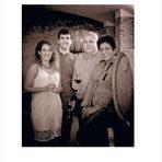"""Изба """"Вила Мелник""""Срещаме се със семейство Зикатанови в тяхната мелнишка изба """"Вила Мелник"""".Семейството се гордее с местния си произход, с наследството на региона и иска да възроди славата на локалните сортове - широка мелнишка лоза и дъщерните й мелник 55, руен, сандански мискет.А портфолиото на избата им е наистина впечатляващо.---Търсете в новия брой на """"Бакхус""""в Inmedio, Relay, CASAVINO, Кауфланд, Билла, Пикадили, Фантастико, OMVили го поръчайте наabonament@economedia.bg или на + 359 2 4615 349"""