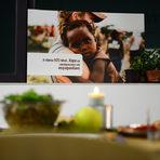 В същото време 925 милиона души в света са застрашени от недохранване. Само в България хората, които са под прага на бедността според националната статистика са около милион и половина. Това са хората, които живеят с под 333 лева месечен доход.