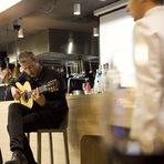 Приятна изненада за гостите бе включването на китариста Николай Пеев, който погали и слуха с няколко изпълнения на типична испанска музика