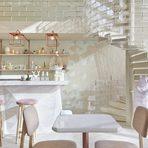 """ShugaaБангкокКатегория: """"Най-добър ресторант в Азия""""Дизайн: Party Space Design 1"""