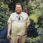 Берлинският майстор енолог Даниел Майер в лозето в Кройцберг. Цялата статия може да прочетете тук.