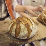Готовят хляб не трябва да се загръща, защото кората омеква и хрупкавината изчезва.