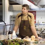 Шеф Дамянов е готвил в продължение на година в Noma, в Le Gavroche - школата за осъвременена класическа френска кухня на Мишел Ру и в The Fat Duck на Хестън Блументал. Преминал е и през готварските работилници на Savoy Grill на шеф-звездата Гордън Рамзи, през испанския ресторант Arzak, през Ritz - Лондон.В неделя, той сподели някои от тайните, които е научил по време на впечатляващата си кариера.