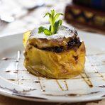 Десерт | DessertПълнена ябълка със сушени плодове, приготвена на пещ с карамел и канелаRoaster apple filled with dried fruit, caramel and cinnamon Онлайн резервация с Dineout