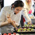 """През 2012-та година Ирина Купенска заминава за Лондон, където получва диплома по сладкарство от престижното кулинарното училище Le Cordon Bleu. В следващите две години работи в петзвездния хотел Савой, където стартира от най-ниската позиция Commis, но си тръгнва като Chef de partie. През 2015-та година участва заедно с двама нейни колеги в отборно състезание по сладкарство, излъчено по BBC, за което са селектирани от огромен брой професионалисти от цяла Великобритания. В момента живее в Швейцария и работи в бутиковия Hotel Guarda Golf, Crans-Montana като помощник главен сладкар. В свободното си време поддържа блога си Sunshine's kitchen.На церемонията """"Ресторант на годината Бакхус 2016, Acqua Panna & San Pellegrino"""" тя ще посвети своето ястие - """"Текстури - шоколад и круша"""" - на емоцията."""