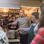 Доменико сподели, че панакота е сред любимите десерти и на италианците, не само на чужденците и заедно с Румен стигнаха до сентенцията, че за да бъде един човек щастлив, са необходими само три неща: паста, панакота и любов.