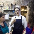 Най-важното при готвенето с вино е никога да не се използва евтино и нискокачествено вино, казва Доменико, който е и професионален сомелиер. По същия начин, по който не бихме искали да пием лошо вино, така не следва да използваме такова и за готвене.