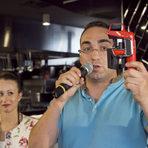 """Благодарим и на партньорите ни """"Коравин"""". Марко Стойчев представи уникалната система за наливане на вина - практичен и достъпен уред, който ни позволява да си налеем вино на чаша, без да отваряме бутилката."""