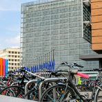 Прочете целия разказ от Брюксел тук.