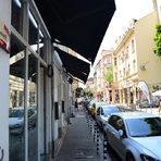 Ако искате да влезете във форма за лятото, не минавайте по улица Ангел Кънчев. Категорично оформилата се като кулинарна улица не прощава на ничия диета. Тук плътно си съжителстват ресторантчета, чайни, пекарни, бургери и испански деликатеси.