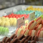 Макароните им са със запомнящ се вкус, защото работят единствено с натурални продукти и използват само естествения аромат на плодове, ядки, чайове и цветни води и масла. Макароните се правят ръчно, като всеки един преминава поне 11 пъти през ръцете на майстор сладкаря, докато достигане финалния си вид.Всичко за Бакхус StrEAT Fest вижте тук.