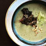 Меню StrEAT Fest:✤ Зелена супа с кейл, тиквички и грах✤ Есенна салата с цвекло и слънчоглед✤ Арабско хлебче✤ Чили син карне - ориз басмати с червен боб и кориандър✤ Маджадра - булгур с леща и зеленчуци✤ Суров бонбонВсичко за Бакхус StrEAT Fest вижте тук.