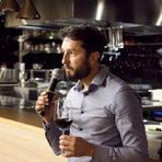Иван Иванов представи виното за основното ястие - Мавруд Виница 2013, избрано за най-добро вино на България за 2016 г. според класацията на DiVino. То е уникално за България, тъй като се прави по метода за италианското Амароне и е единственото такова вино в страната ни.