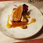 Основно ястиеПилешки стек с фоагра, сезонни зеленчуци, пюре от сладък картоф и лобстър сос