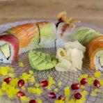 Първо предястиеТен урамаки - с темпура скариди, авокадо, краставица, майонеза, бял сусам, кайен Тогараши