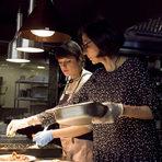 Зимното задушено беше поднесено с единствено възможната гарнитура, гордостта на галите, наречена pommes de terre fondantes. Картофът беше попил от маслото и бульона, точно толкова, колкото да ни зарадва с хрупкавата си маслена коричка отвън, и пухкавата си мека вътрешност.