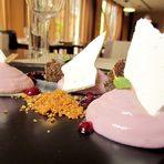 Ресторант Таланти е част от HRC Culinary Academy – иновативна кухня, която събира опита на шеф-инструктори и студенти по кулинарни изкуства от различни държави. За StrEAT fest талантите са подготвили авторска интерпретация на три добре познати рецепти:☛ гаспачо с диня и българско сирене☛  бургер с патешко и панирана сьомга с азиатски аромати☛  белгийски сладки и superfood бонбониВсичко за Bacchus StrEAT Fest 2 вижте тук.Купете онлайн билет от тук: