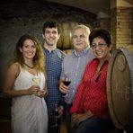 """Тези, които познават Вила Мелник и техните вина, знаят, че това е една от """"най-българските"""" изби. Семейството се гордее с местния си произход, с връзката си със земята и виното, с наследството на региона и иска да възроди славата на локалните сортове - широка мелнишка лоза и дъщерните й мелник 55, руен, сандански мискет.Всичко за Bacchus StrEAT Fest 2 вижте тук.Купете онлайн билет от тук:"""