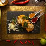 Меню Бакхус Fish Fest:✵ Тайландски шишчета със скариди Shrimp satay✵ Тайландски кюфтета от раци Crab cakes✵ Тайландски кюфтета от скариди Shrimp cakes✵ Бира СингаВсичко за Бакхус Fish Fest вижте тук.КУПЕТЕ БИЛЕТ ОНЛАЙН ОТ ТУК: