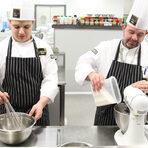 Освен да предлагат много и качествени продукти, МЕТРО се развиват и в много други посоки. Една от тях е кулинарното образование.Ето защо сме щастливи, че по време на фестивала ще ни гостува МЕТРО Академия. Кулинарното училище отваря врати в началото на 2012 година, следвайки примера на успешните практики на подобни центрове в Италия, Франция, Полша и Румъния.Основната дейност на Академията са кулинарни курсове с разнообразна тематика и различна степен на трудност. Подходящи са за професионални готвачи и любители кулинари.За Академията е важен близкият контакт и взаимна подкрепа с ХоРеКа бизнеса в България, на който МЕТРО е основен доставчик и партньор. Водени от тази идея в Метро Академия си е поставила за цел да се пребори с един голям проблем в ХоРеКа сектора - липсата на добре обучени и квалифицирани кадри.Специално за Бакхус Fish Fest, екипът на Метро Академия и Бакхус ще ви посрещнат на общ щанд с разнообразие от рибни хапки и изкушения. Започнете от нас, за да подгреете и да ви остане място да опитате от всички останали вкусотии на феста. Очакваме ви.Всичко за Бакхус FishFest вижте тук.Научавайте новостите за събитието във Facebook.КУПЕТЕ БИЛЕТ ОНЛАЙН >>>