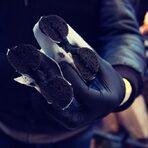 Черни нюйоркски бейгъли с черен хумус от пекарната Schlomo's Bagels (Kollwitzstraße 44, 10405 Berlin).Цялата статия може да прочетете тук.