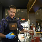 Анастас е главен барман в наскоро отворилия бар Republica, и специално за вечерята сътвори няколко страхотни коктейла, които съпровождаха ястията.