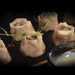 Hamachi - ni - място, където можете да опитате съвременна японска кухня, но изпълнена извън правилата, претворена с нетрадиционни практики, в посока фюжън.Ястията им са комбинация от японски продукти, приготвени и поднесени в европейски стил. Освен на оригиналните японски продукти, залагат и държат на чисти, здравословни продукти от малки локални ферми!Всеки сезон са готови да ви посрещнат с нови авторски рецепти, отлична селекция от внимателно подбрани вина и стилна обстановка!