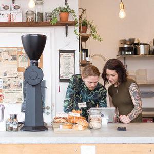 Пиенето на кафе като национална традиция, специално време и персонално удоволствие