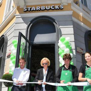 Starbucks България откри ново кафене в София