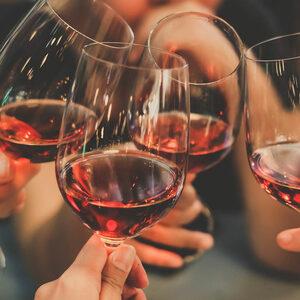 Буря в чаша вино във Франция