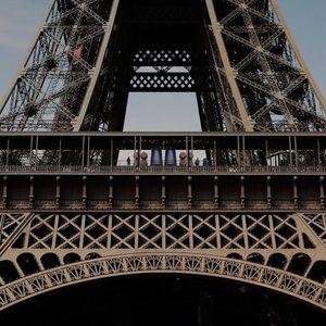 Айфелова кула вече си има изба