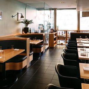 Дейвид Чанг затваря два от ресторантите си