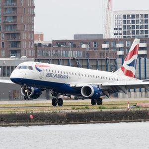 Пътник, подхлъзнал се на Baileys, получи £130 000 обезщетение от British Airways