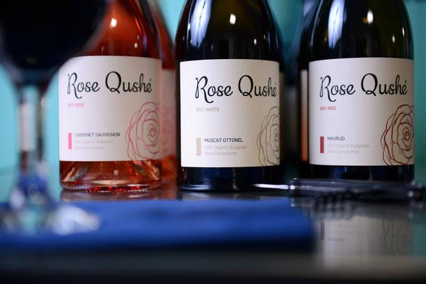 Напитките за вечерята бяха осигурени от Rose Qushe - нов бранд винена напитка с органик българска роза Дамасцена. Повече тук - http://rosequshe.com/