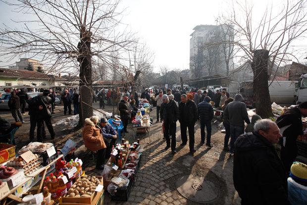 Пазарът на Подуяне започва към 7 сутринта и продължава до 13:00 всяка събота. Цялата статия може да прочетете тук.