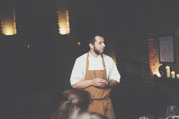 Специални поздравления и за Васил Спасов, шеф на ресторанта в имението - aEstivum. Той ни беше приготвил четиристепенно авторско меню с интересни вариации с цвекло, телешки език, свинско, и локум.Прочетете цялата статия тук.