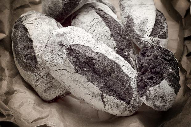 """Хляб- Хляб с кисело мляко и мед- Черен Хляб с активен въгленМайстор-Хлебар Пресиян Петров, """"Братя Хлебари"""""""