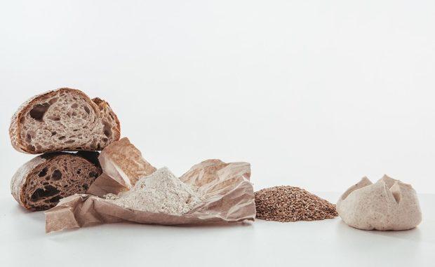 """Ако трябва да обясните на дете какво означава израза """"никой не е по-голям от хляба"""", може да го заведете при Братята Хлебари. Това не е просто Хлебарница. Това е Дело и Мисия, чиято цел е да се възроди Хлебарството на Балканите по един нов и вълнуващ начин. От тях може да очаквате хлябове, сладки и солени чудеса, вдъхновени от Далечния Изток и Модерния Запад. Но всичко достига до нас през ръцете на един истински Балкански екип. По време на Бакхус Fish Fest се подгответе за много изненади, плод на неспиращите им творчески търсения!бул. Г .С. Раковски 44Всичко за Бакхус Fish Fest вижте тук.Научавайте новостите за събитието във Facebook.КУПЕТЕ БИЛЕТИ ОНЛАЙН ОТ ТУК:"""