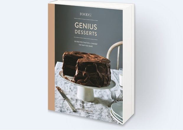 Food52 Genius Desserts: 100 Recipes That Will Change the Way You BakeВъзникналият през 2009 г. като виртуална кулинарна общност Food52 днес е световна институция по темата храна, има средно 12 млн. посетители на месец през различните си платформи, а 2/3 от приходите му идват от неговия онлайн магазин.В тази книга са включени най-обичаните и най-обсъжданите десерти на нашето време - рецептите са събрани от популярни готвачи, пекари и автори в утвърдени кулинарни издания. Според кураторката на проекта всяка рецепта учи на нещо ново и надгражда всеизвестните неща.