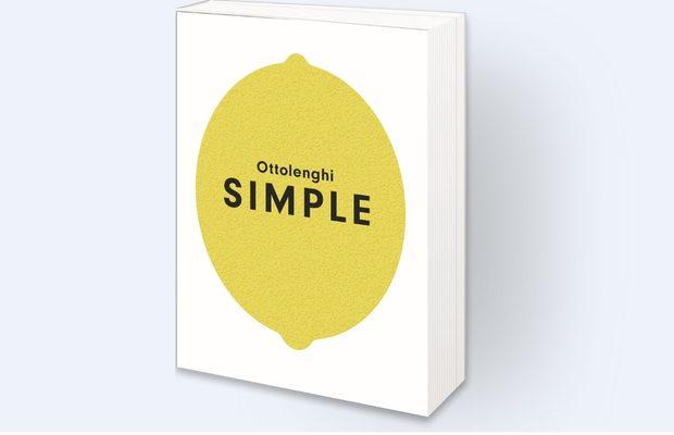"""Ottolenghi SimpleAко Елвис е кралят на рока, то Отоленги е кралят на зеленчуците. Самият той казва за новата си книга Simple: """"Ястията, които съм включил, представят готвенето като забавен и релаксиращ процес."""" Разбира се, лесно е да кажеш това, ако си Йотам Отоленги. Понятия като простота са силно субективни, когато говорим за умения в кухнята, а това, което един намира за релаксиращо, може да скъса нервите на друг.И все пак книгата съдържа рецепти, които носят отличителния стил на Отоленги (да, възможно е да трябва да се разходите за сумак или бахарат до арабските магазини около Женския пазар), но същевременно са възможни за приготвяне вкъщи. Книгата е разделена на пет секции, началните букви от чиито заглавия образуват абревиатурата SIMPLE - """"Short on time""""/""""За нула време"""", """"10 ingredients or less""""/10 продукта или по-малко"""", """"Make ahead""""/ Пригответе предварително"""", """"Pantry""""/ Килер"""", """"Lazy""""/""""За мързеливи"""" и """"Easier than you think""""/""""По-лесни, отколкото очаквате""""."""