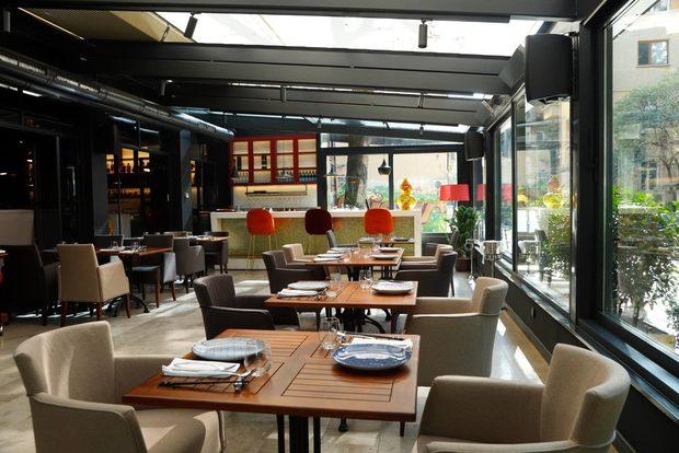 Още с отварянето си Lili Pham заложи на иновациите - първият по рода си модерен азиатски ресторант в София, който едновременно с това допълни зараждащата се ресторант-бар сцена в страната. Акцентите са много, но посланието едно - ресторантът е място, в което можем да отидем по всяко време на деня и да открием точно това, което искаме. Най-актуалният акцент е менюто с авторски коктейли, които могат да се опитат като питие за след работа, като акомпанимент към вечерята или като добър старт за една дълга вечер.✦✦✦☛ ВХОД: 20 лв.* с включена консумация на коктейл по избор и сет от три уникални хапки. 30 март, Sofia Event Center.☛ Вижте повече информация и купете своя куверт още сега на bacchus.bg/top