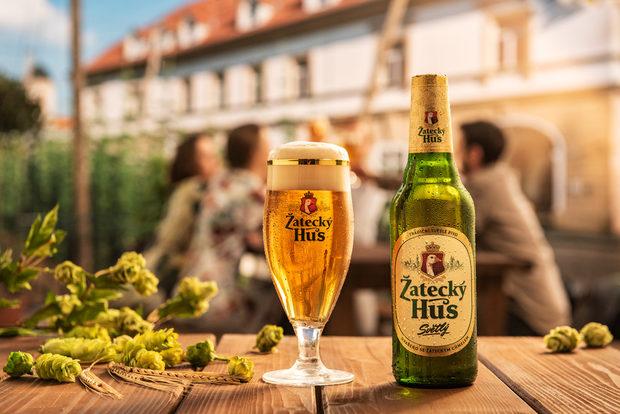Ако още не сте опитвали Zatecky Hus, определено има какво ново да научите. Обещаваме изключително бирено усещане за всеки ценител.Традиционно светло пиво с уникална съставка – Жатецки хмел, която придава на пивото изключителни вкусови характеристики – балансиран вкус, мека горчивина и плътен хмелов аромат. Ще предоставим възможност за консумация в комбинация с храна на място на събитието. На StrEAT Fest 3 ще бъдем и горе, и долу. Чакаме ви. Повече инфо на: https://zatecky.bg/Следете ни последните новости във Facebook »Всичко за Bacchus StrEAT Fest вижте тук. »Купете билет онлайн от тук