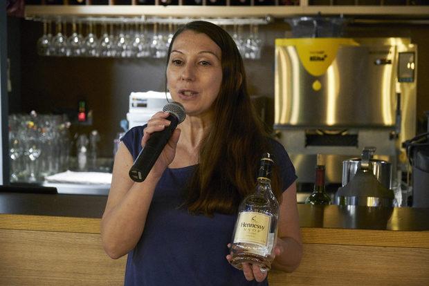 Десертът беше комбиниран с Hennesy V.S.O.P. , който ни представи Мария Райкова от Авенди.