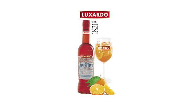 Луксардо е най-старата семейна компания за производство на традиционни италиански ликьори, създадена 1821г. На StrEAT Fest те ще представят различни аперитивни коктейли, които са предпочитани от италианците преди храна и имат за цел да подготвят рецепторите на храносмилателната ни система за предстоящото ядене. За лятото най-подходящи са шприцовете, които са слабо алкохолни напитки и съдържат битер ликьор (от различни билки и плодове), просеко и газирана напитка. В зависимост от предпочитанията ви, ще можете да опитате класическия Аперитиво шприц с просеко, сода и парче портокал; Аперитиво с грейпфрут, сода и краставица; Битер шприц с тоник и ягоди, както и най-новия Битер бианко шприц с бъз, тоник и мента.Не се притеснявайте да помолите опитните бармани да импровизират специален коктейл само за вас!