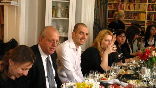 Юлия и Димитър Маджарови с децата им