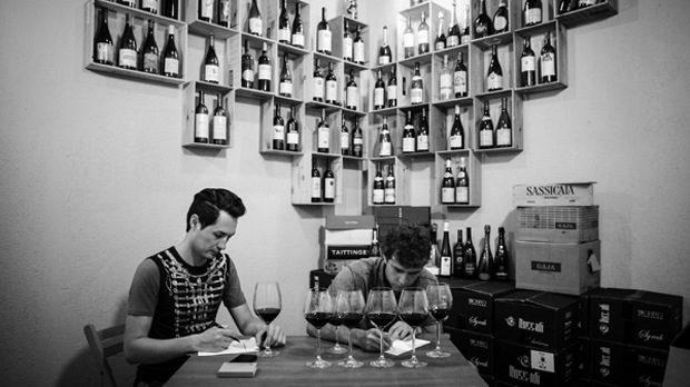 Едуард Куриян и Петър Георгиев от Rossidi, двама нови радикали в българското вино, в търсене на характер и тероар
