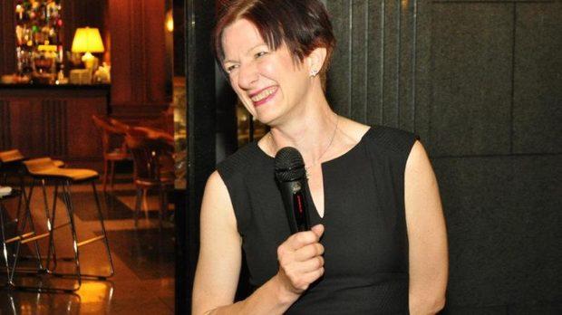 Каролайн Гилби MW, член на журито