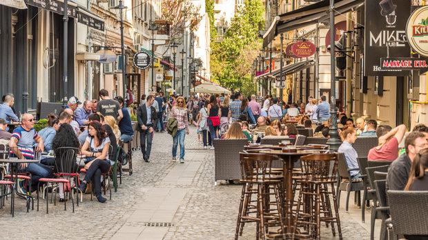 Lipscani - една от най-популярните пешеходни улици в централната част на Букурещ
