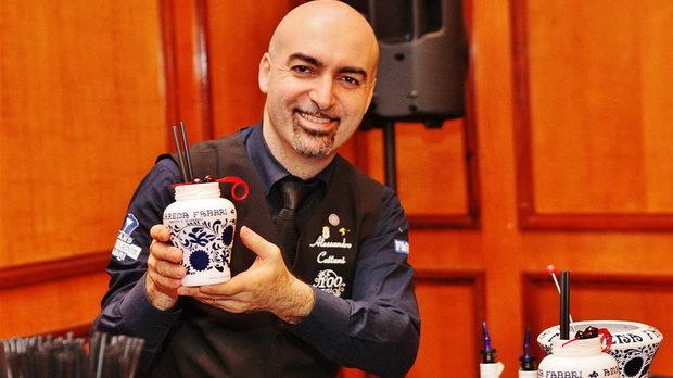 Алесандро Катани демонстрира приготвянето на емблематични коктейли с Amarena Fabbri